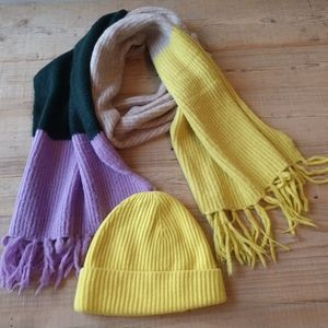 GAP multicolored ribbed scarf and hat set.
